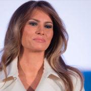 Il regalo di Melania a Trump: Vengo a vivere alla Casa Bianca