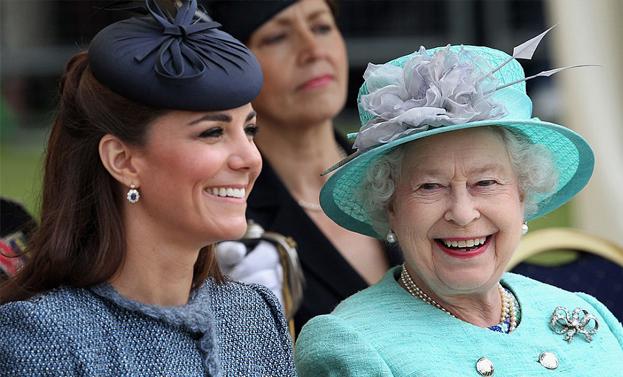 kate e regina elisabetta