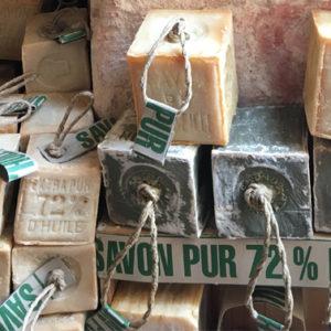 Contro i crampi notturni c'è un rimedio: il sapone di Marsiglia