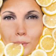 Imita le star di Hollywood: fai per tre giorni la dieta al limone