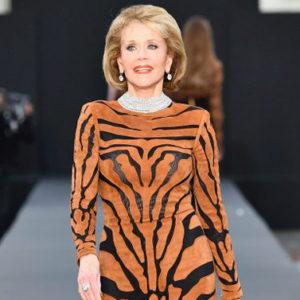 A 80 anni Jane Fonda regge il passo delle top model