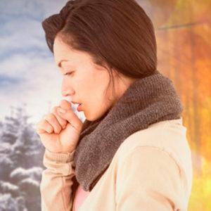 Coi primi freddi, arriva la tosse: ecco come prevenirla e curarla