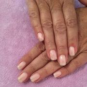 Se hai unghie fragili (o se te le mangi..) ecco come ricostruirle