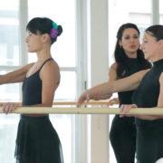 Ti piace la danza classica? Ecco il corso solo per signore come te