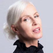 """Il ritorno di Carla Gozzi: """"Vi do istruzioni per essere alla moda"""""""