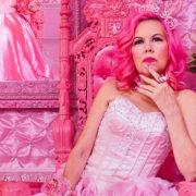 Non c'è rosa senza Kitten Kay Sera, la pink lady di Hollywood
