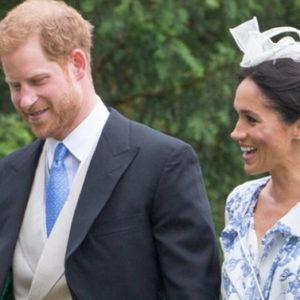 Meghan bocciata per il suo look alle nozze della nipote di Lady D