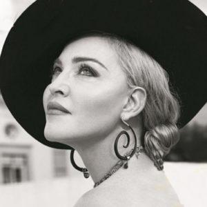 Per i suoi 60 anni Madonna chiede regali ai bimbi poveri