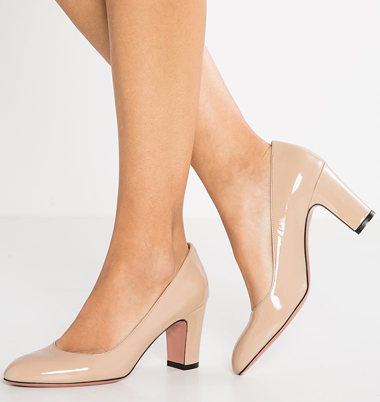 scarpe con tacco piede grande