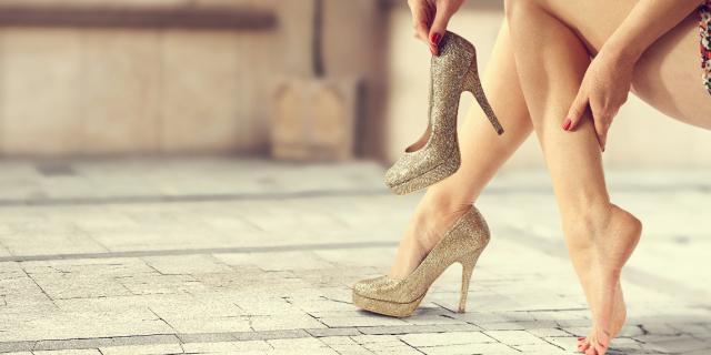 togliere scarpe
