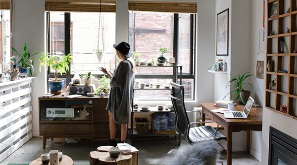 uomo donna appartamento