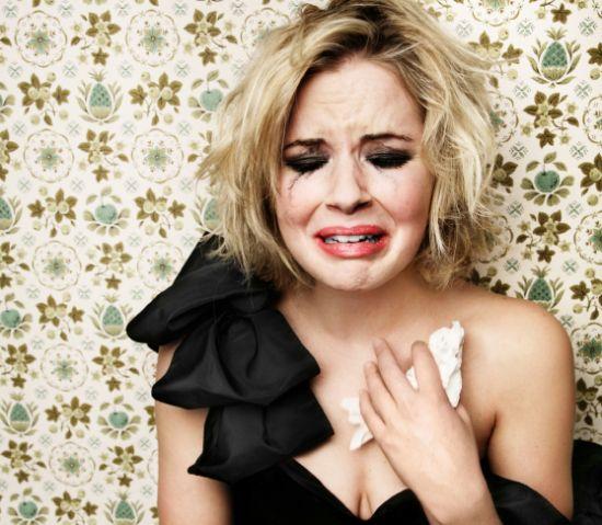 uomo Donna-in-lacrime