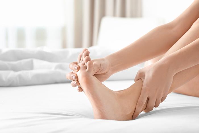 crampi piedi