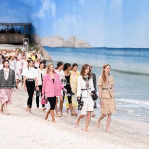 Per presentare la sua collezione, Chanel porta il mare a Parigi