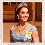 Con la corona che era di Diana, Kate sembra già la vera regina