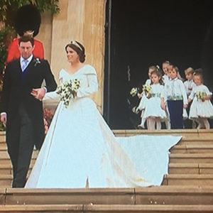 Per il suo Royal Wedding Eugenia da anatroccolo è diventata cigno