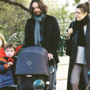 Scoop: ecco Charlotte a spasso coi figli e il compagno Dimitri