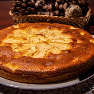 Una ricetta per chi adora i dolci: la torta di mele al mascarpone