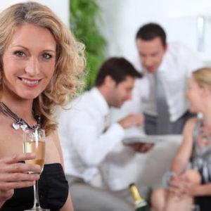 Il galateo della fifty quando è invitata a cena in casa di amici