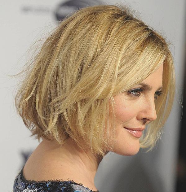 chin-length-haircut-bouncy wet