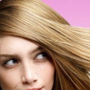 Il nuovo colore dell'estate è il dirty blonde, sporco e selvaggio