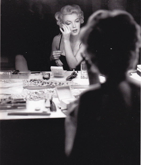 marilyn-beauty routine make up