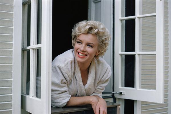 Marilyn-Divine-Sam-Shaw-6