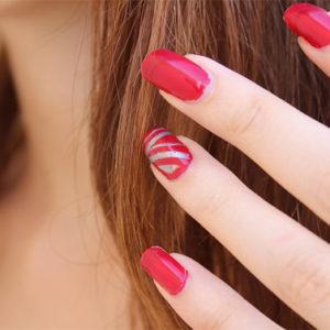 Ritocca le tue unghie ricostruite usando il nuovo metodo refill
