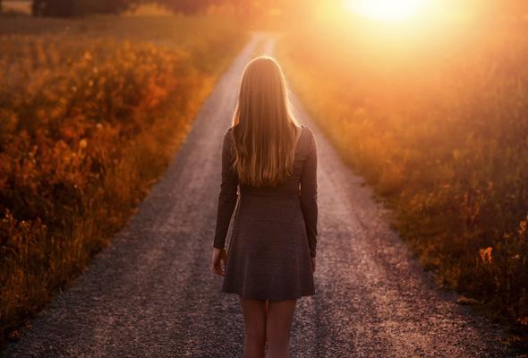 donne che camminano da sole cammino 2