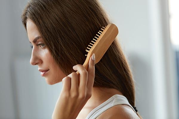 capelli-bad-hair-day-spazzola-di-legno