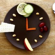 Per le fifty la dieta più indicata è quella del digiuno intermittente
