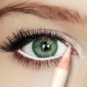 Se vuoi valorizzare gli occhi con il make up, usa la tecnica PMB
