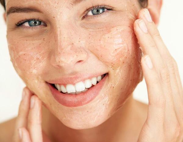 scrub-viso-peeling