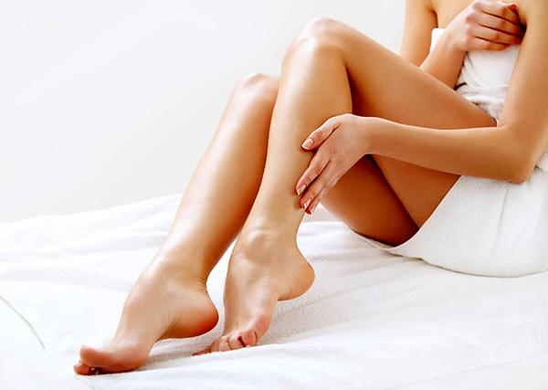 donna-depilazione-gambe-2